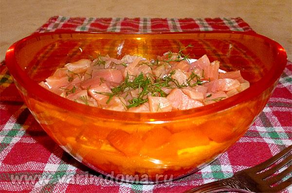 Салат с семгой и свеклой